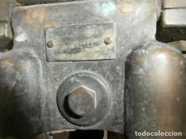 Antigüedades: ANTIGUO TRÍPODE DE TEODOLITO DE MADERA NUMERADO 37445-1415 - Foto 6 - 122237815
