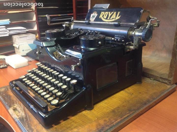 Antigüedades: Máquina de escribir antigua Royal 10 con su cofre original ..,., - Foto 3 - 122247711