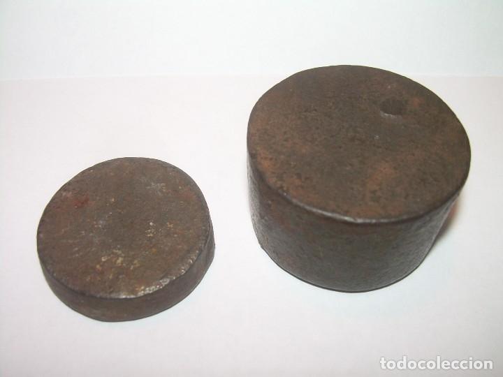 Antigüedades: DOS ANTIGUOS Y RAROS PONDERALES DE HIERRO. - Foto 5 - 122253483