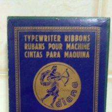 Antigüedades: CAJA DE CARTÓN VACÍA DE CINTAS DIANA PARA MAQUINAS DE ESCRIBIR HISPANO OLIVETTI NEGRO ROJO FIJO. Lote 122297811