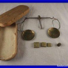 Antigüedades: BALANZA DE ORO ANTIGUA CON PONDERALES S, XVIII. Lote 122437375