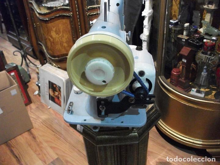 Antigüedades: Máquina de coser Sigma azul claro con motor modelo 9029 sin probar - Foto 2 - 122457139