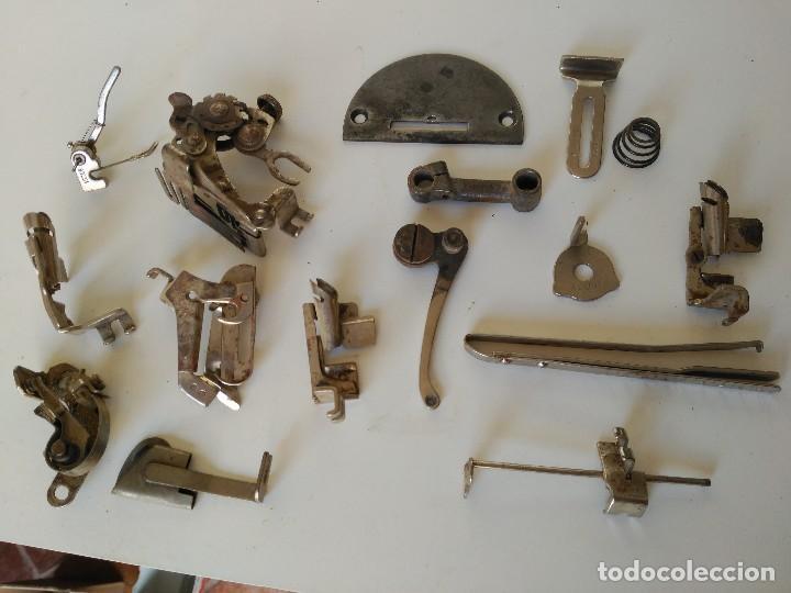 LOTE DE PIEZAS DE MAQUINAS DE COSER ANTIGUAS (Antigüedades - Técnicas - Máquinas de Coser Antiguas - Otras)