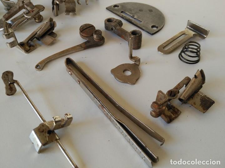 Antigüedades: Lote de piezas de maquinas de coser antiguas - Foto 3 - 122481699