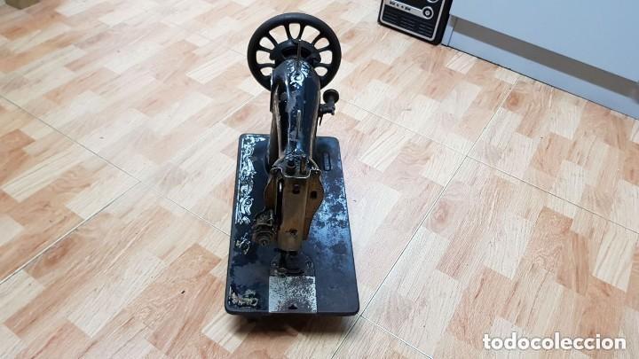 Antigüedades: Antigua maquina de coser Wertheim - Foto 3 - 122530343