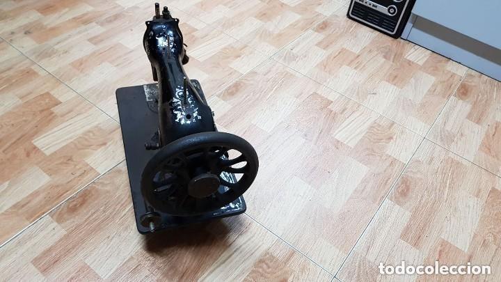 Antigüedades: Antigua maquina de coser Wertheim - Foto 4 - 122530343