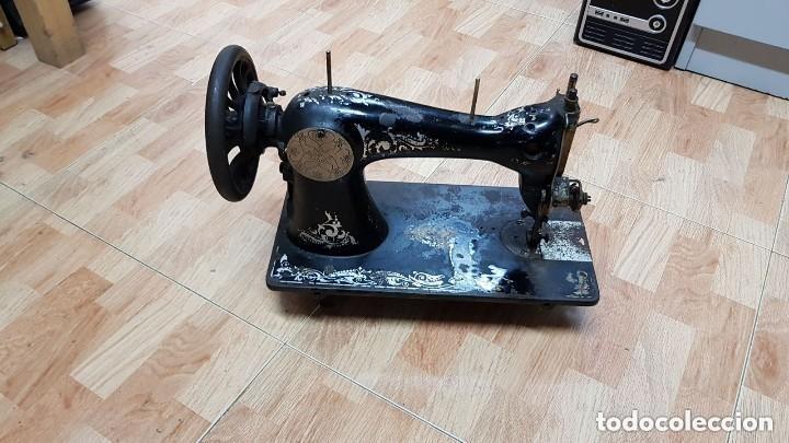 Antigüedades: Antigua maquina de coser Wertheim - Foto 5 - 122530343