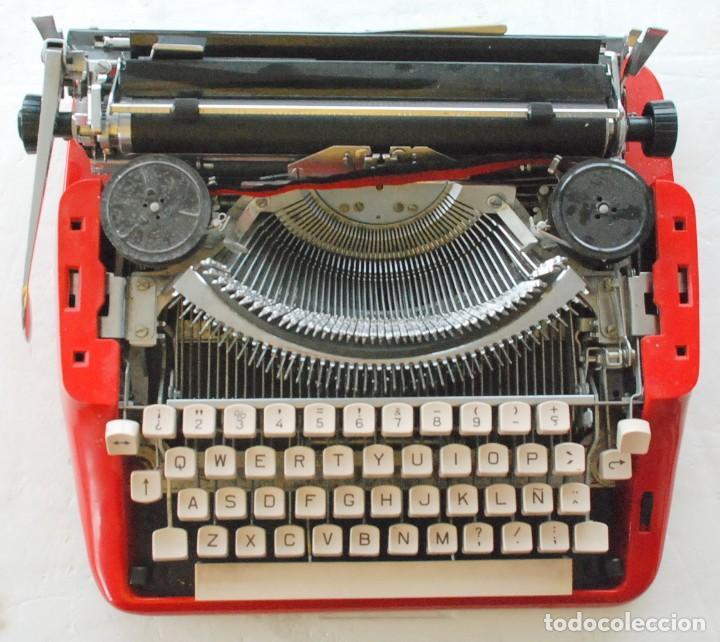 Antigüedades: Máquina de escribir portátil Olivetti ? - Foto 3 - 245960990