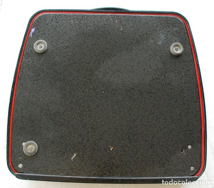 Antigüedades: Máquina de escribir portátil Olivetti ? - Foto 6 - 245960990