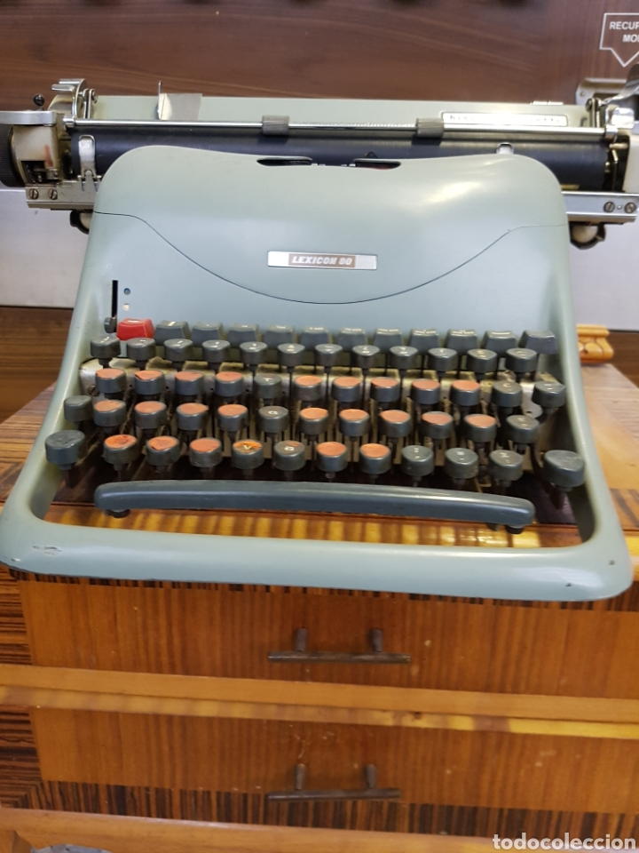 Antigüedades: Máquina de escribir Hispano Olivetti Lexicon 80 - Foto 3 - 122918087