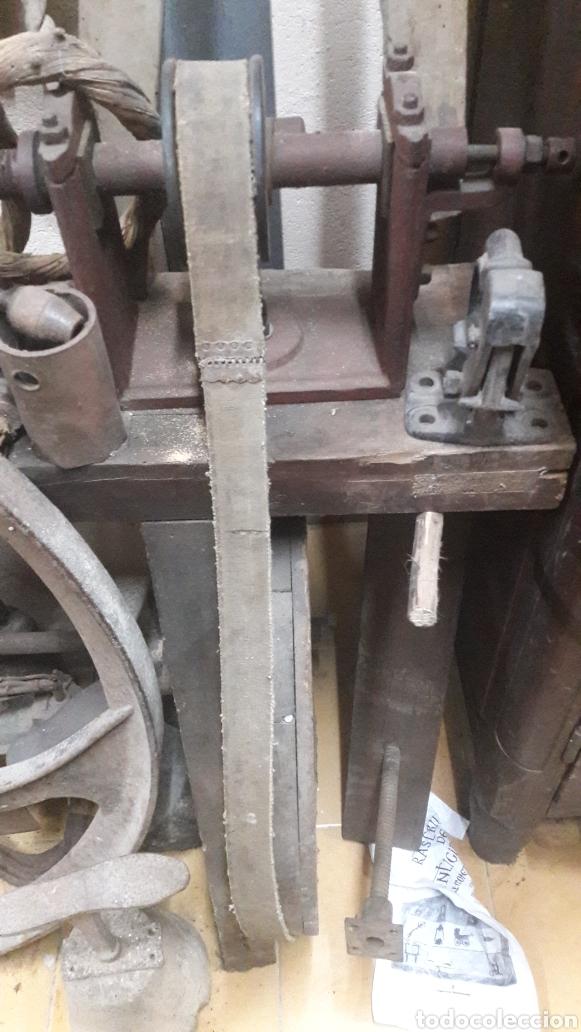 GRAN TORNO DE PEDALES 1940 GALICIA ACEPTO OFERTAS ANTICIPADAS O ALMACÉN DO COLISEVM (Antigüedades - Técnicas - Herramientas Profesionales - Carpintería )