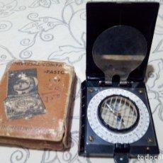 Antigüedades: ANTIGUA BRUJULA PASTO UNIVERSAL COMPASS. Lote 122997715