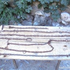 Antigüedades: LOTE 4 CADENAS Y GANCHOS DE FORJA ANTIGUOS. Lote 122687975