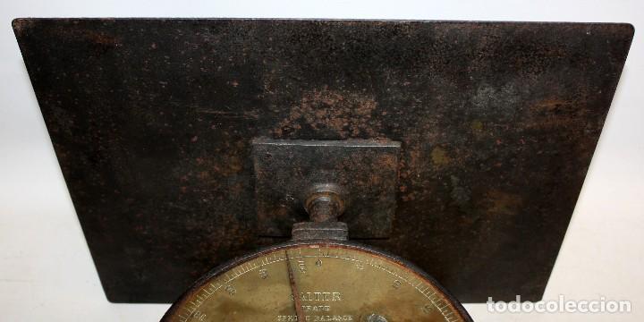 Antigüedades: ANTIGUA BASCULA O BALANZA INGLESA EN HIERRO DE LA MARCA SALTER (MODELO T.50) - Foto 6 - 123127139