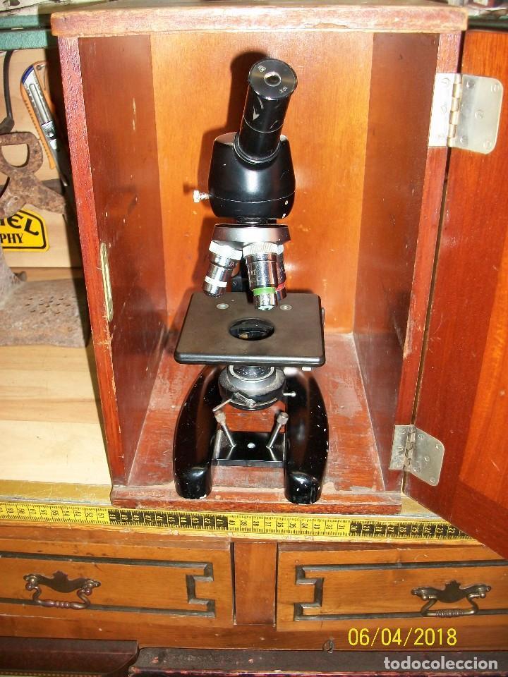 ANTIGUO MICROSCOPIO INGLES CON CAJA DE MADERA (Antigüedades - Técnicas - Instrumentos Ópticos - Microscopios Antiguos)