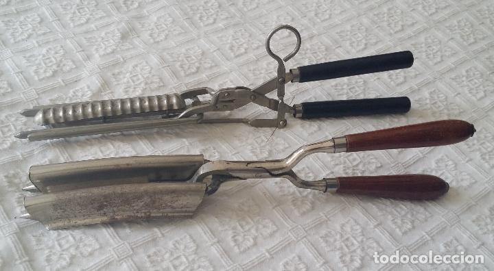 DOS (2) ANTIGUOS REZADORES DE PELO (Antigüedades - Técnicas - Barbería - Varios Barbería Antiguas)