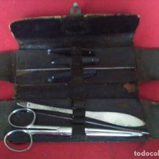 Antigüedades: MUY ANTIGUO ESTUCHE QUIRÚRGICO ESCRIBANO ATOCHA133 MADRID LOS BISTURÍ SON PLEGABLES. SIGLO XIX. Lote 123573363