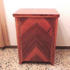 Antigüedades: MAQUINA DE COSER CON MUEBLE SIGMA. Lote 123676915