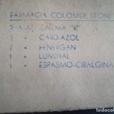 Antigüedades: ANTIGUA CAJITA DE FARMACIA CON 8 AMPOLLAS VARIAS.. Lote 124015439