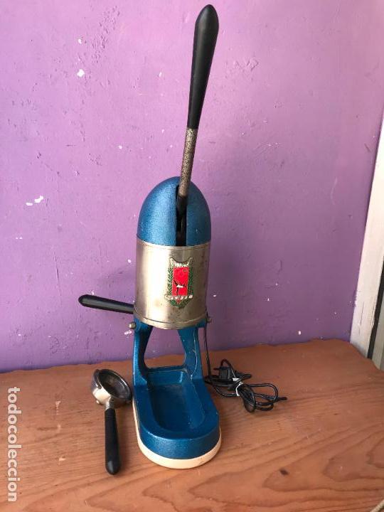 ANTIGUA CAFETERA ELECTRICA CAMPEONA BAMBINA 125 V. BARCELONA (Antigüedades - Técnicas - Varios)