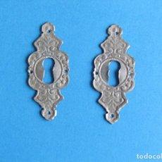 Antigüedades: 2 MUY ANTIGUAS BOCALLAVES - EMBELLECEDOR DE CERRADURA. Lote 124448983