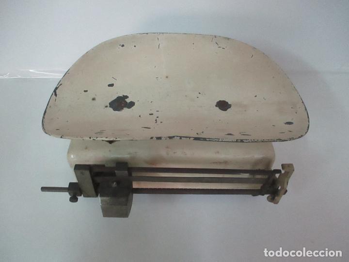 Antigüedades: Antigua Bascula para Bebes - Farmacia, Medico Pediatra - Metálica - Principios S. XX - Foto 2 - 142375440