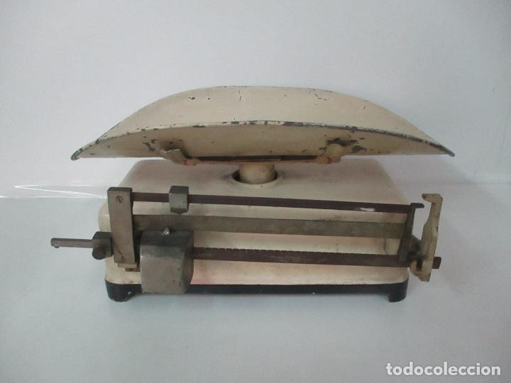 Antigüedades: Antigua Bascula para Bebes - Farmacia, Medico Pediatra - Metálica - Principios S. XX - Foto 10 - 142375440