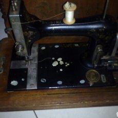Antigüedades: MAQUINA DE COSER BICTORIA. Lote 125168018