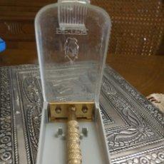 Antigüedades: MAQUINILLA AFEITAR BETER CON CAJA. Lote 125196743