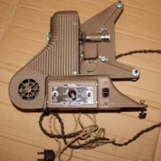 Antigüedades: ANTIGUO PROYECTOR CINE 8MM MODEL PC-500 8MM PROJECTOR UNIVERSAL CAMERA CORP NEW YORK. Lote 123573131