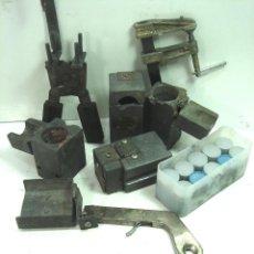 Antigüedades: CADWELD - KIT SOLDADURA EXOTERMICA -4X MOLDE CARTUCHO 90 65 MECHERO IGNICION-PINZAS POLVO CARTUCHOS. Lote 125404911
