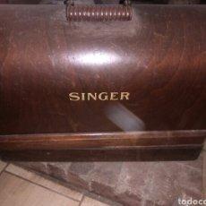 Antigüedades: MAQUINA DE COSER SINGER FINALES 1800RESTAURADA SINGER ..P DE ORO.CASA OFICIAL TENERIFE UNA IGUAL TIE. Lote 125413403