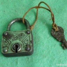 Antigüedades: CURIOSO CANDADO UCEM UNIÓN CERRAJERA DE MONDRAGÓN ANTIGUO COLECCIÓN LLAVE AÑOS 60 COLECCION. Lote 125443915