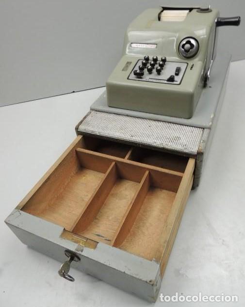 Antigüedades: Registradora marca HISPANO OLIVETTI. Años 70. Funciona. - Foto 12 - 125612403