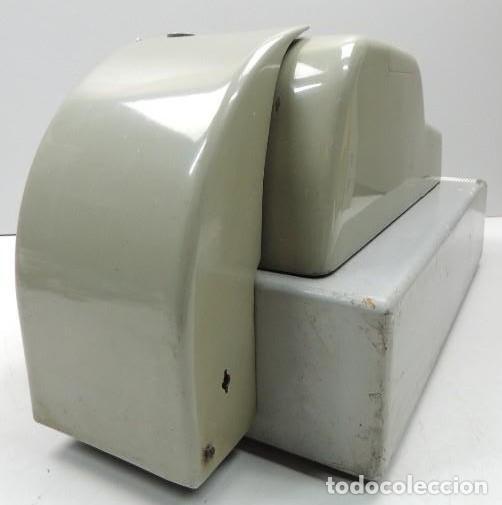 Antigüedades: Registradora marca HISPANO OLIVETTI. Años 70. Funciona. - Foto 17 - 125612403