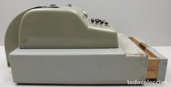 Antigüedades: Registradora marca HISPANO OLIVETTI. Años 70. Funciona. - Foto 18 - 125612403