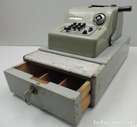 Antigüedades: Registradora marca HISPANO OLIVETTI. Años 70. Funciona. - Foto 22 - 125612403