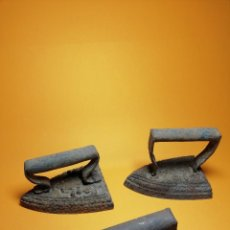 Antigüedades: LOTE DE TRES PLANCHAS DE HIERRO. Lote 125828047