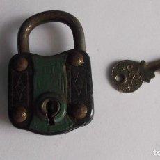 Antigüedades: ANTIGUO CANDADO CON LLAVE. Lote 125849031
