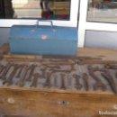 Antigüedades: LOTE DE HERRAMIENTAS CON CAJA. Lote 125975715