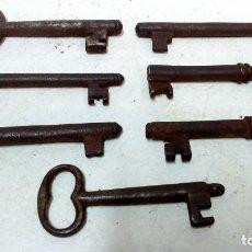 Antigüedades: LOTE 7 ANTIGUAS LLAVES DE HIERRO FORJADO.. Lote 126351615