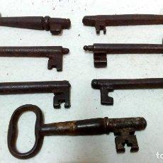 Antigüedades: LOTE 7 ANTIGUAS LLAVES DE HIERRO FORJADO.. Lote 126351995