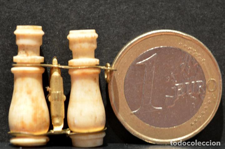 ANTIGUO MINI VISTAS PRISMATICOS DE HUESO EN MINIATURA CON VISTAS DE MONTSERRAT (Antigüedades - Técnicas - Otros Instrumentos Ópticos Antiguos)