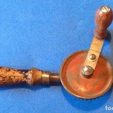 Antigüedades: BERBIQUI ANTIGUO. ENVIO INCLUIDO EN EL PRECIO.. Lote 126373183