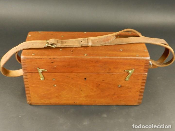 Antigüedades: NIVEL DE TOPOGRAFÍA + TRÍPODE + ESTUCHE AÑO 1910 APROX. - Foto 2 - 126400747