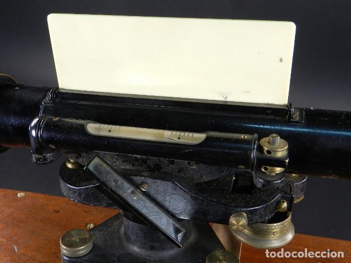 Antigüedades: NIVEL DE TOPOGRAFÍA + TRÍPODE + ESTUCHE AÑO 1910 APROX. - Foto 9 - 126400747