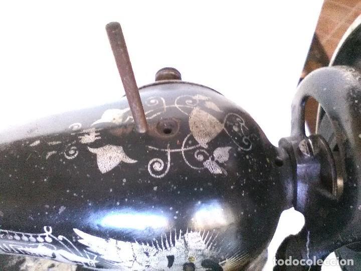 Antigüedades: Maquina de coser Singer 1915 fabricada en Escocia - Foto 3 - 126463579