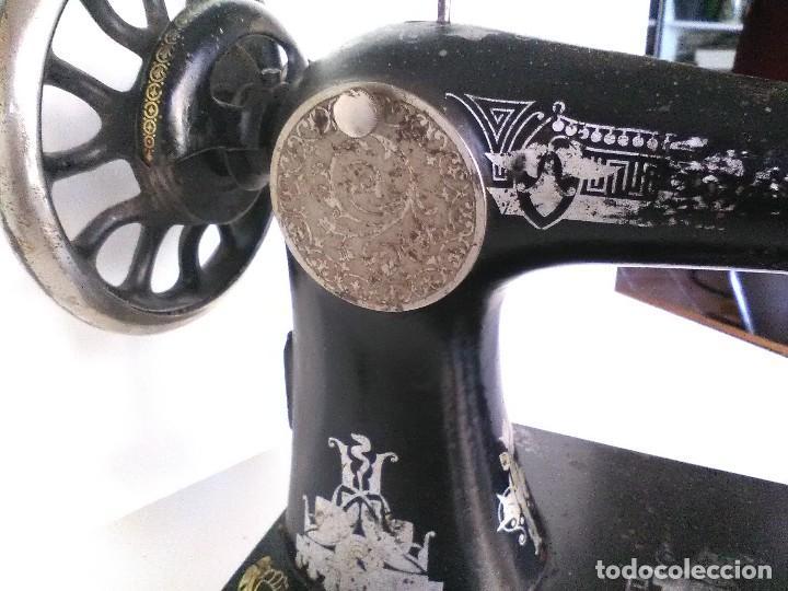 Antigüedades: Maquina de coser Singer 1915 fabricada en Escocia - Foto 6 - 126463579