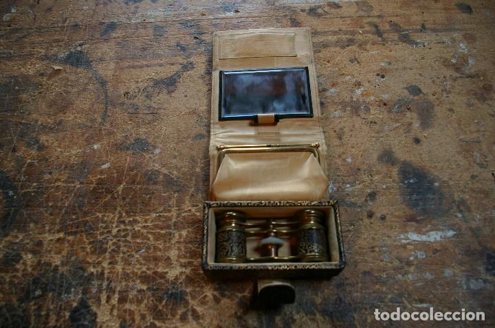 Antigüedades: Bolso para los prismaticos, monedero y espejito. - Foto 2 - 126812879