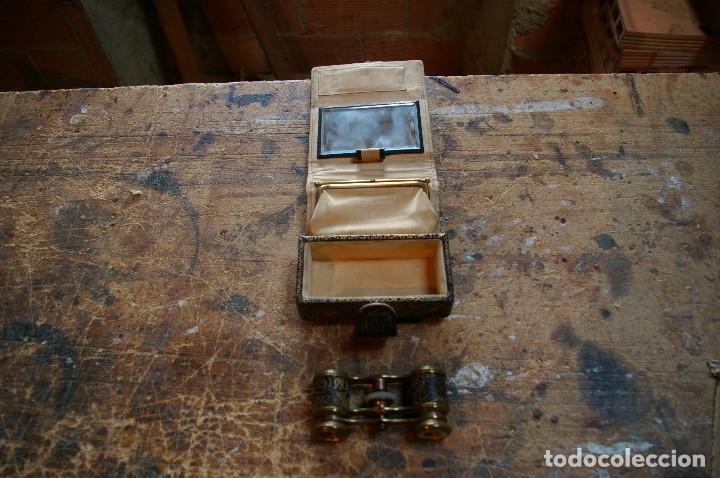 Antigüedades: Bolso para los prismaticos, monedero y espejito. - Foto 4 - 126812879